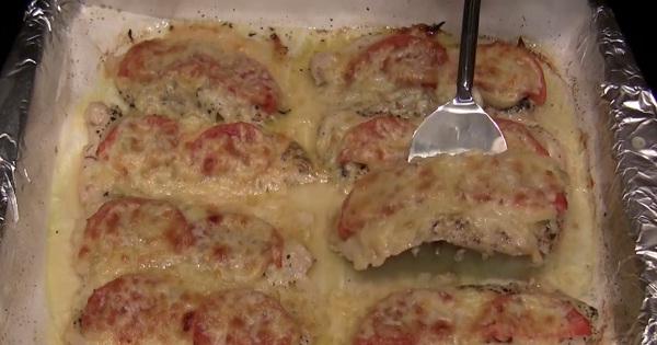 Мясо по-французски с помидор…