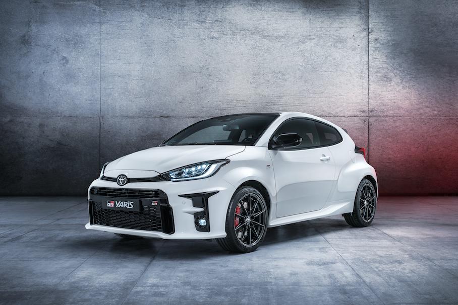 Власти запретили рекламу Toyota Yaris GR из-за секундного «дрифта» Новости