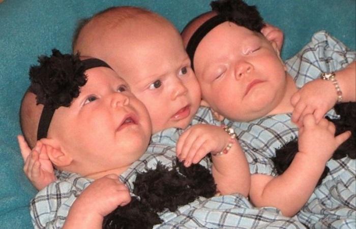 Эта пара усыновила тройню, но жизнь преподнесла им неожиданный сюрприз...