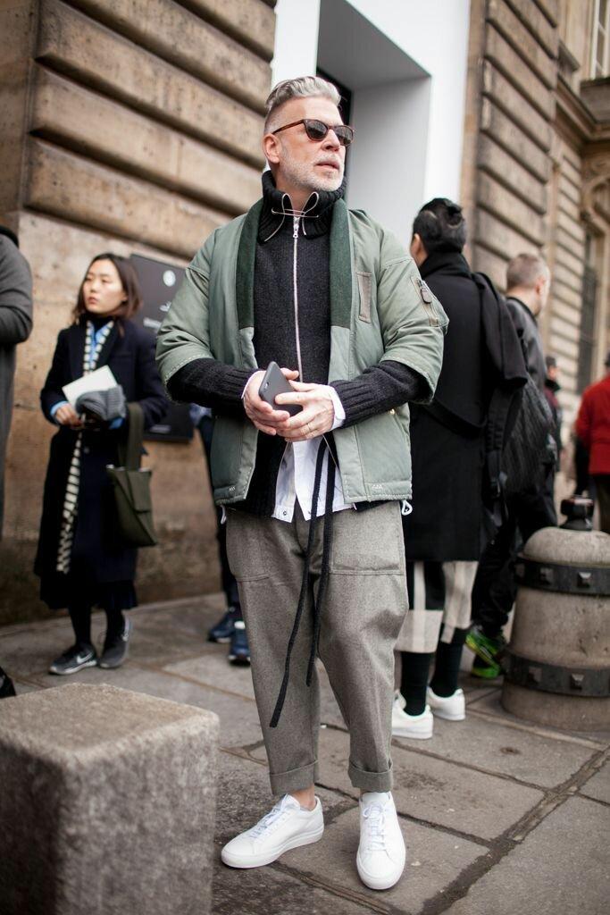 Брюки с карманами – выбор предусмотрительных модников. /Фото: i.pinimg.com