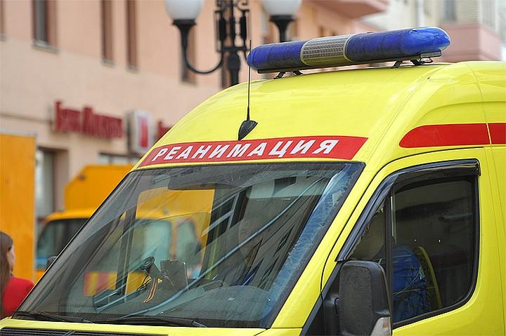 В Москве мотоциклист погиб после столкновения с грузовиком