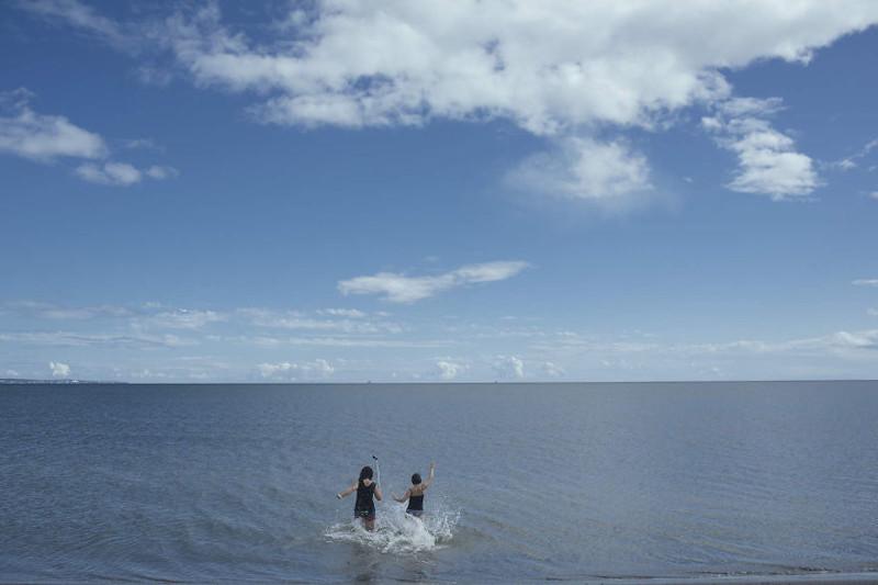 Она много путешествует по острову, и вдохновляется его природой. жизнь, интернет, люди, россия