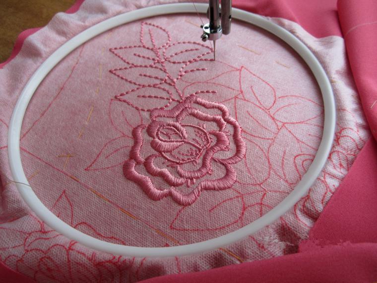 Осваиваем вышивку на простой швейной машинке: мастер-класс