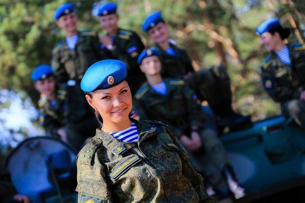 Курсантки Рязанского высшего воздушно-десантного командного училища (РВВДКУ) 7 фото
