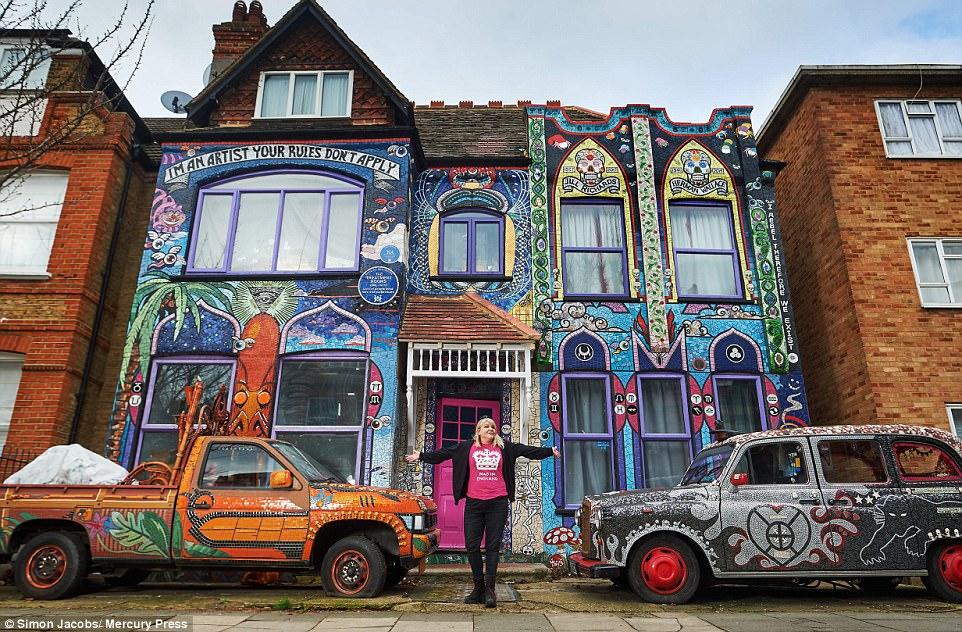 Мастерица превратила свой дом в невероятную красоту