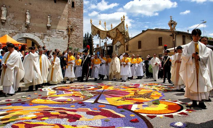 Основные праздники на родине Леонардо Да Винчи