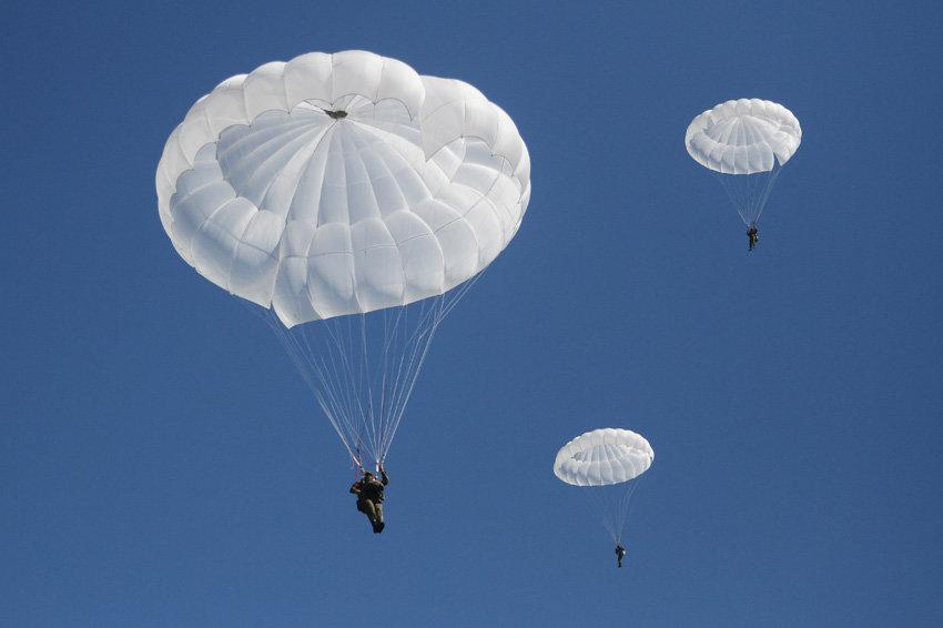 Картинка прыжок с парашютом вдв