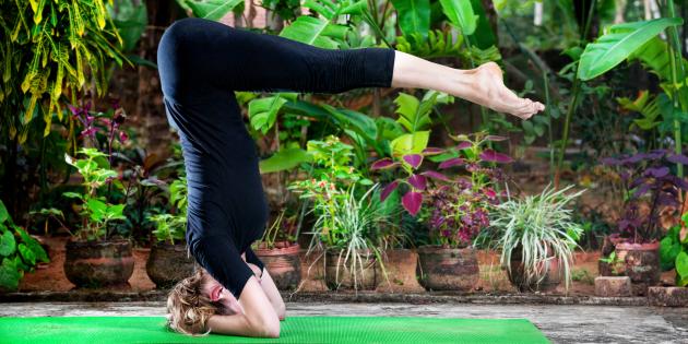 Йога от похмелья и головной боли (видео)