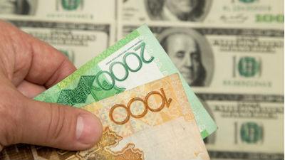 В обменниках Казахстана кончились доллары и евро