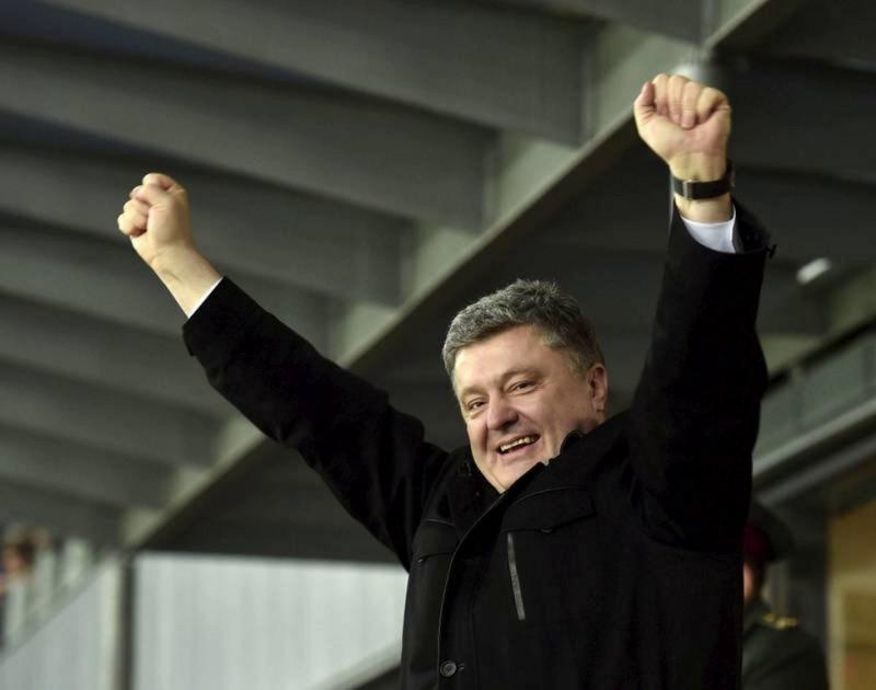 """Не обидеть """"партнера"""")) Бизнес Порошенко не попал под санкции России"""