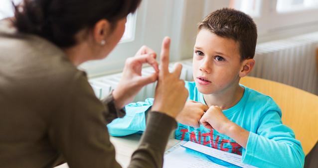«Никакой он не дурак». Что такое дислексия и почему дети не могут читать