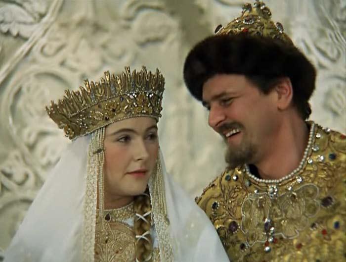 Помните эту красотку из  советских фильмов? Посмотрите как живет и выглядит Нина Маслова сейчас