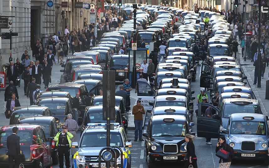 Таксисты всего мира протестуют против сервиса Uber