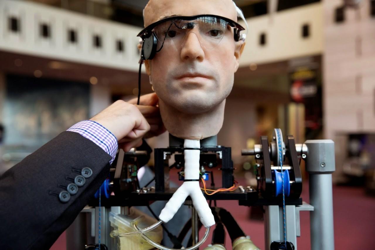 Симбиоз человека с роботом