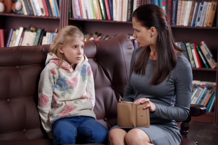 Что делать, если ребенок ворует: советы психолога и реальные истории