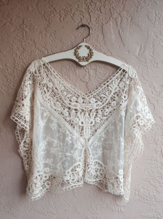 Lace and crochet romantic bohemian crop top: