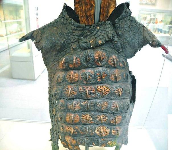 Доспехи римского времени из крокодиловой кожи. III век н.э.
