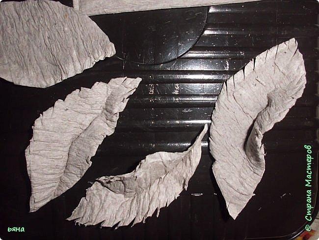Мастер-класс Бумагопластика Кованая роза из туалетной бумаги Бумага Диски ватные Клей Краска Проволока фото 16