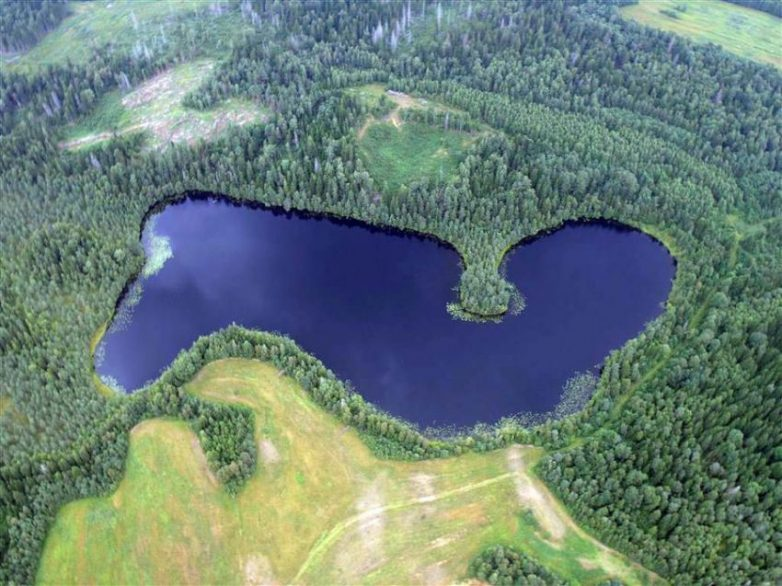 9 озёр планеты, в которых были замечены чудовища, неизвестные науке загадки,озера,планета