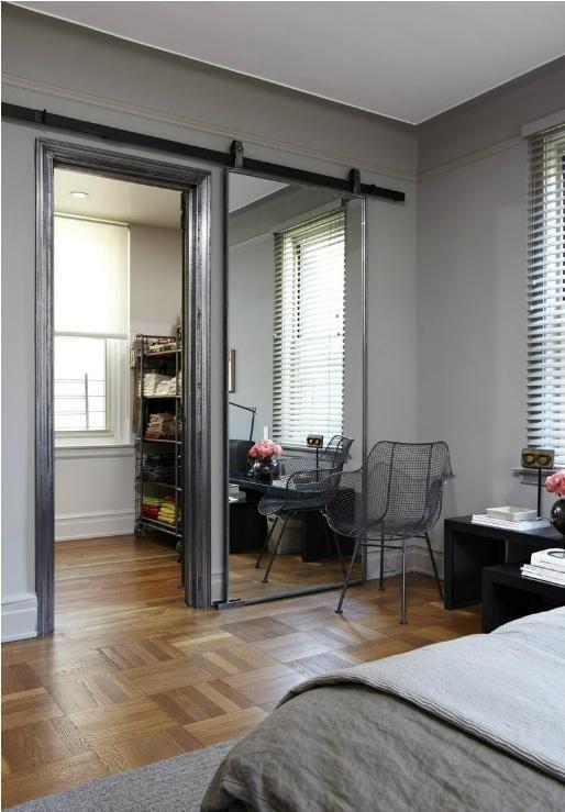 Фотография: Спальня в стиле Лофт, Малогабаритная квартира, Квартира, Советы, Бежевый, Бирюзовый, Зонирование, как зонировать комнату, как зонировать однушку, как зонировать однокомнатную квартиру – фото на InMyRoom.ru