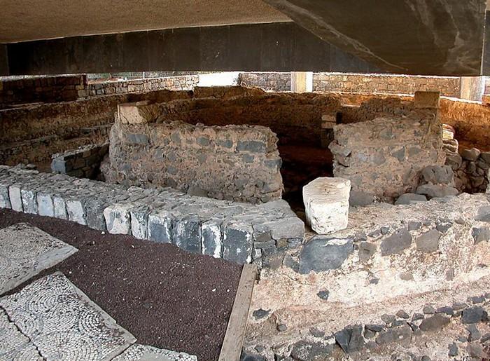 Руины дома апостола Петра в Капернауме