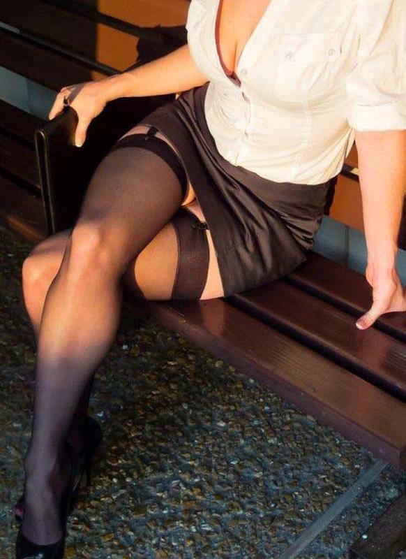 мини юбки на зрелых дамах красивые фотографии девушек