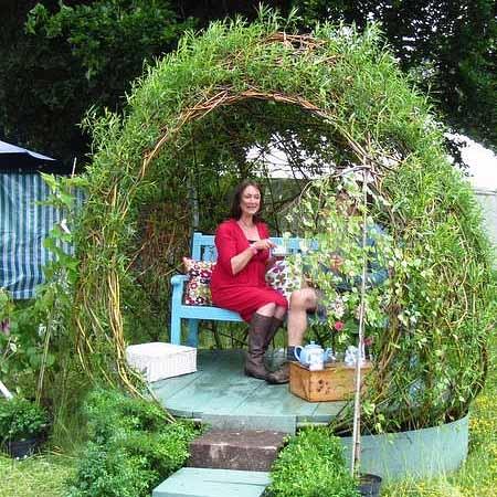 Как сделать беседку из ивы в саду