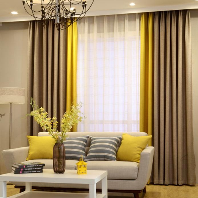 двойные портьеры в интерьере гостиной