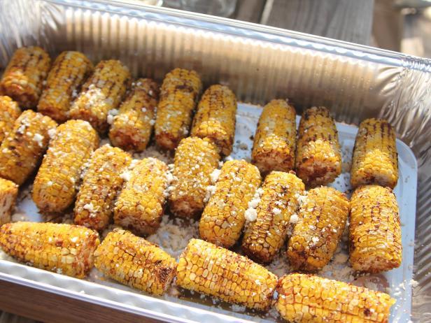 Созрела кукуруза: 5 рецептов блюд с самым солнечным злаком
