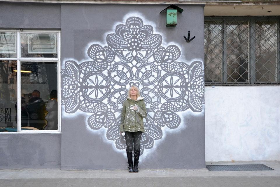 Город в кружевах: нежно-ажурный стрит-арт от дизайнера NeSpoon