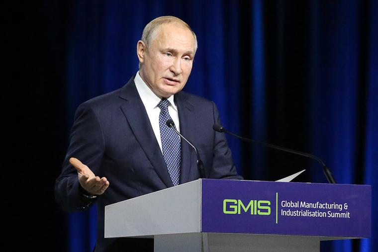 Кашин назвал политика, который сменит Путина в 2024.