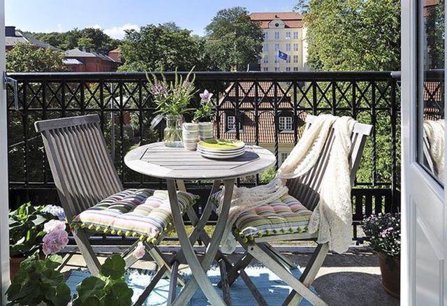 дизайн открытого балкона в скандинавском стиле