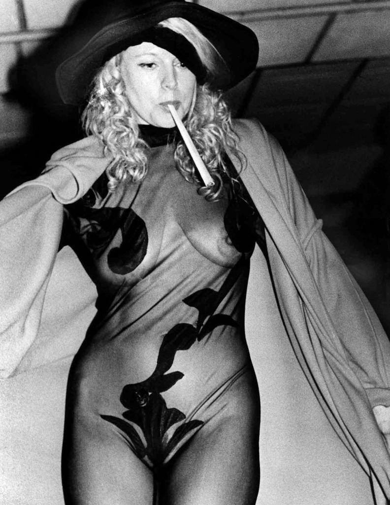 эротические фото знаменитостей 90 годов