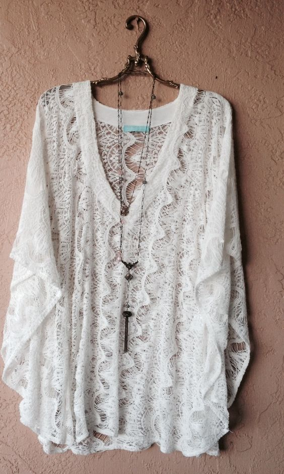 White crochet Melissa Odabash kaftan with cape sleeves: