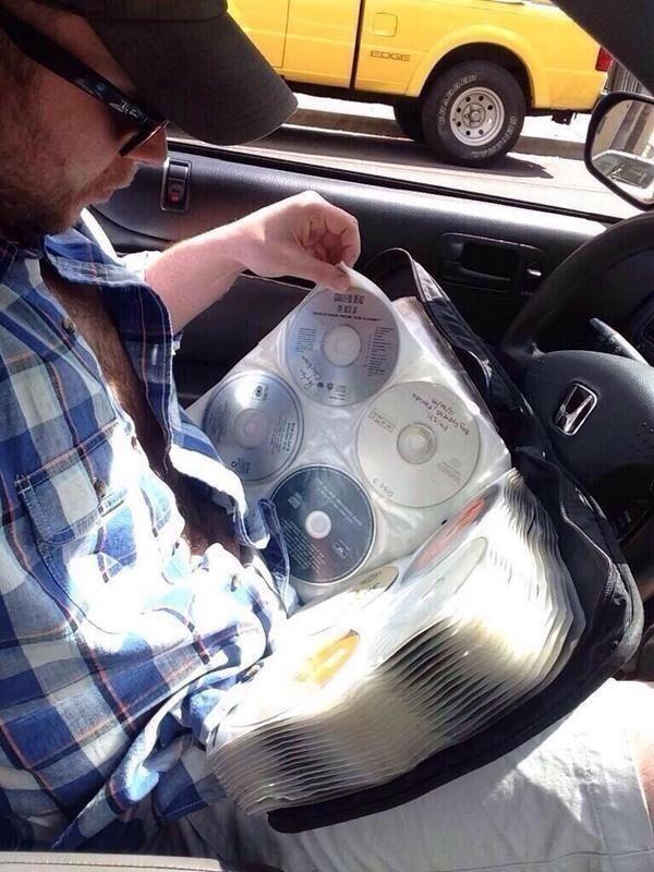 Когда ищешь любимый CD бесконечно долго дети, современные, трудности