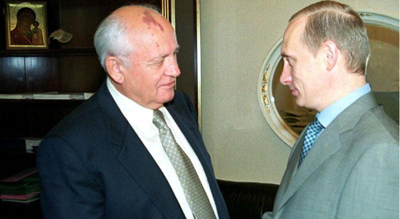 «И пьянствует, и танцует, и летает, и плавает...»: Горбачев обиделся на Путина