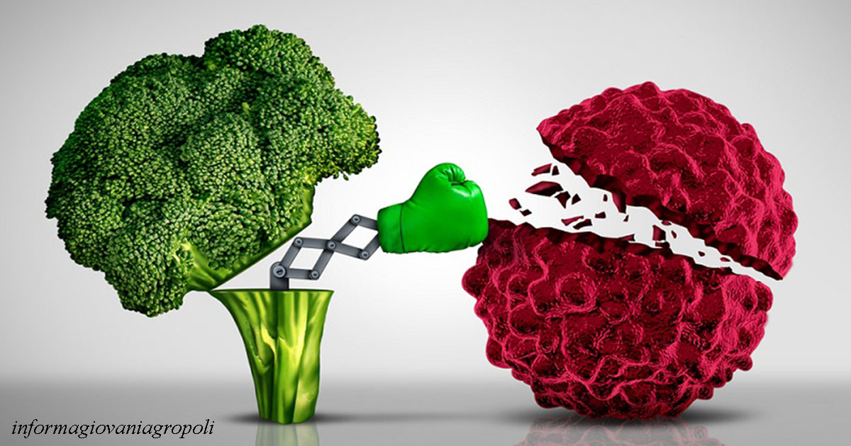 Раковые клетки есть у всех, но они умирают, пока вы едите эти продукты!