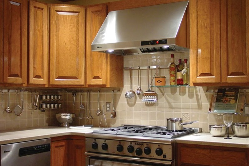 colorful-rosle-open-kitchen-rail-system