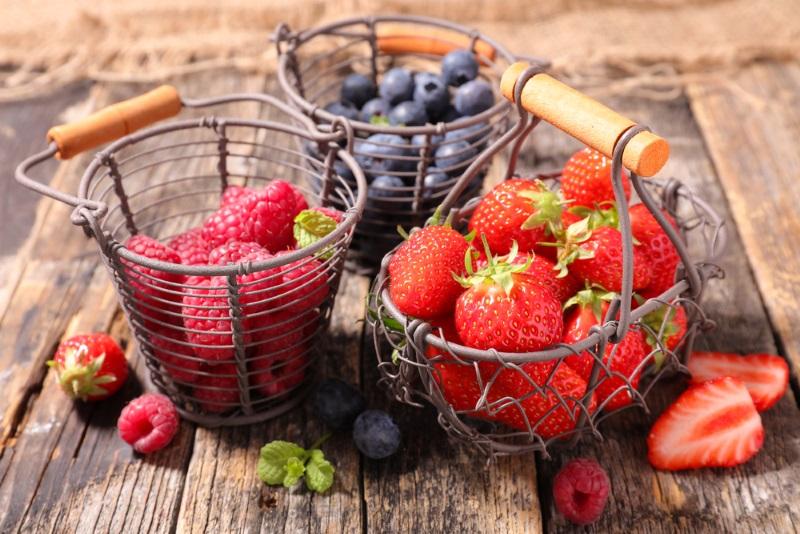 желе из ягод и сметаны