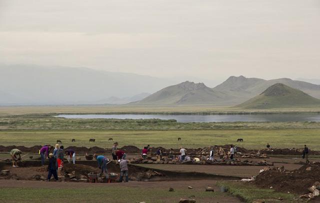 Петербуржские археологи планируют исследовать пятьдесят курганов в Туве