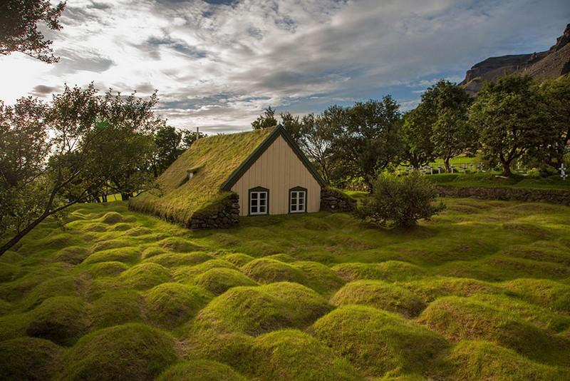 4. Маленький домик в Исландии.
