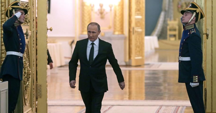 Путин проводит бескровную чи…