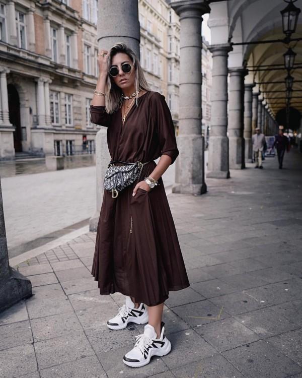 Время пришло: 10 идей как носить очень модный в этом сезоне коричневый.