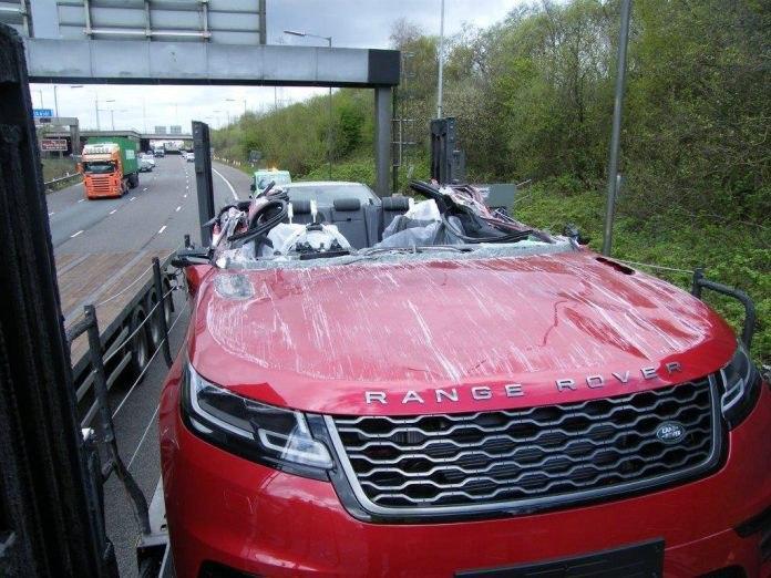 Новые Range Rover не доехали до салона