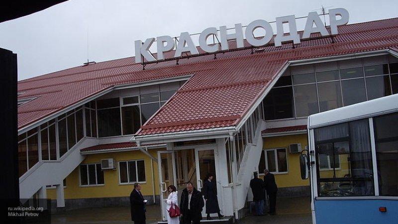 Летевший из Сочи самолет не долетел до Москвы и экстренно сел в Краснодаре