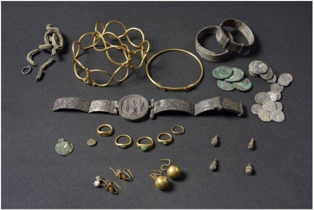 Полностью расчищенный клад Клады, археология, интересно, история, сокровища