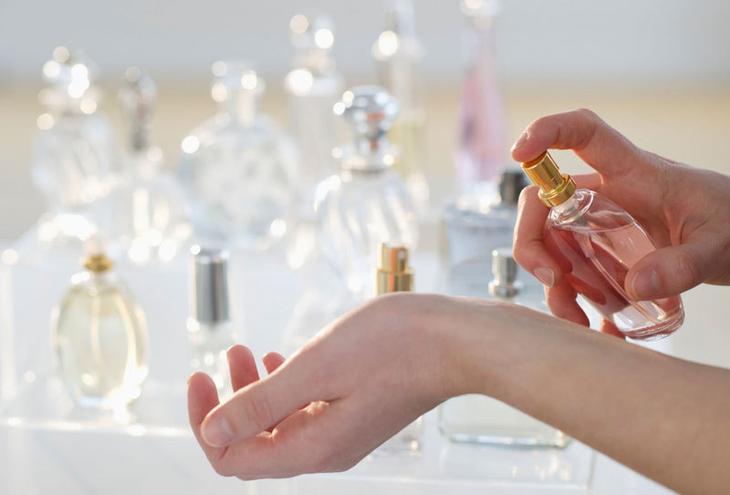 Как найти свой аромат парфюма: Прохладный, теплый или динамичный?