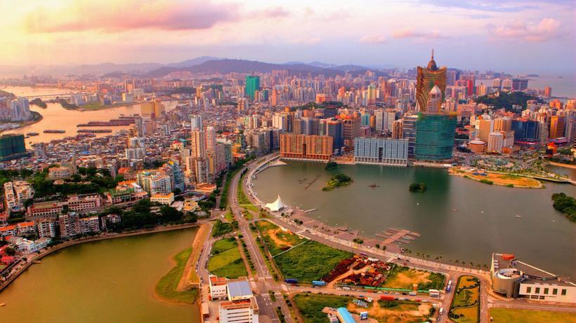 В каком городе Китая государственным языком является португальский