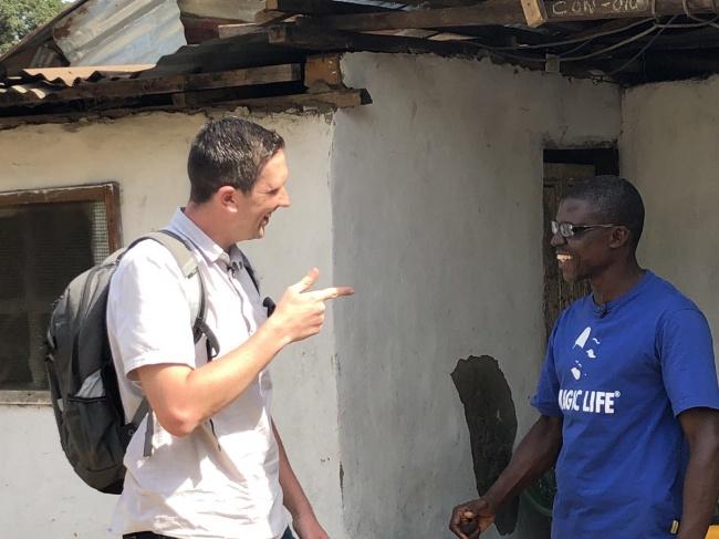 Парень столкнулся с интернет-мошенником из Либерии и перевернул его жизнь