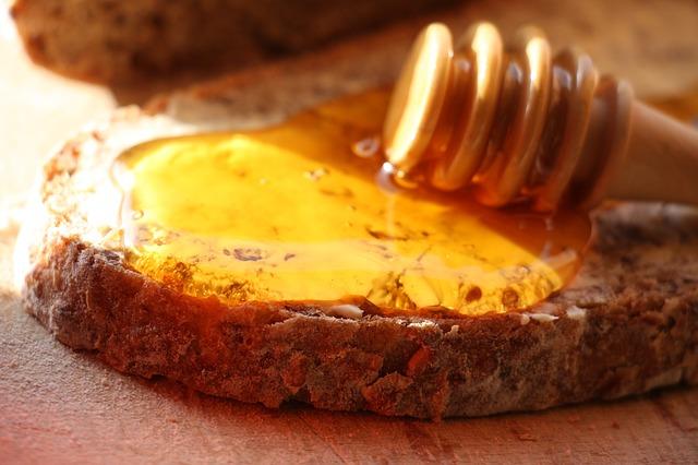 Смесь для здоровья: мед, чер…